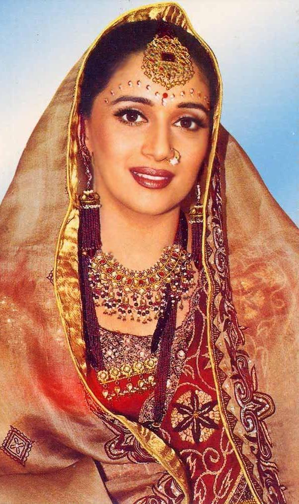 Madhuri Dixit Beautiful Indian Look Wallpaper