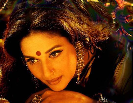 Madhuri Dixit Hot Gorgeous Face Look Wallpaper