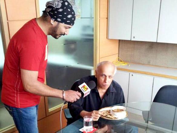 Mahesh Bhatt Promote His Film Blood Money at 98.3 FM