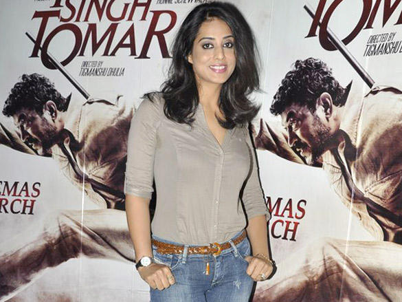 Mahie Gill Looking very gorgeous