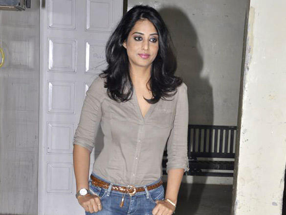 Mahie Gill poses to photo shoot