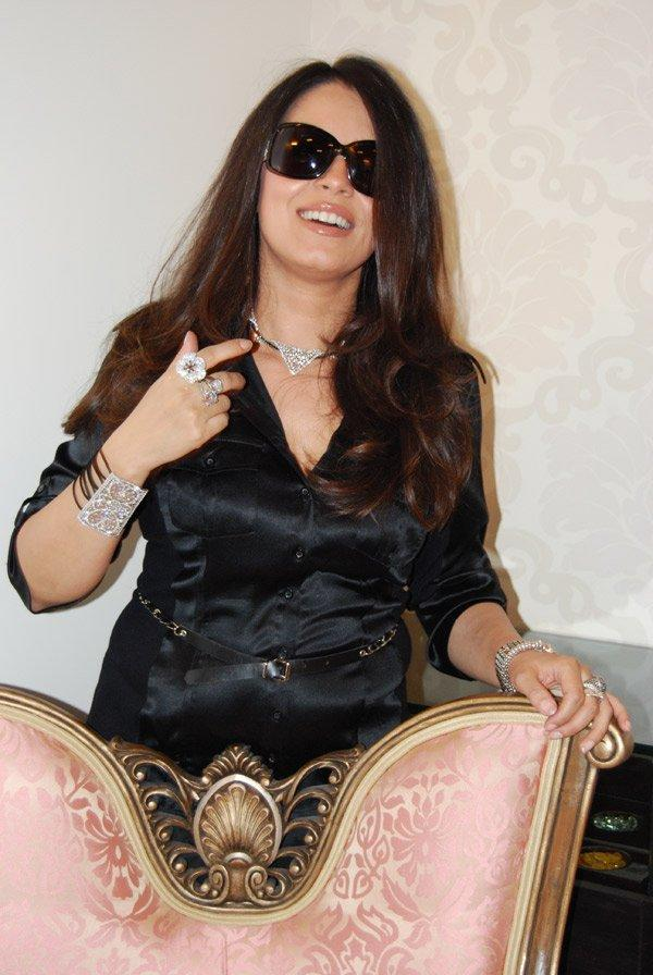 Mahima Chaudhary Hot Look Wearing Goggles