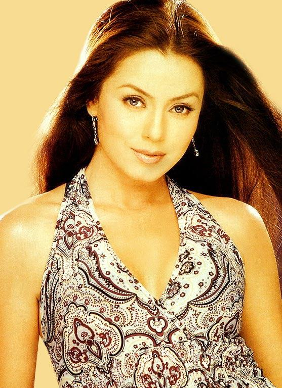 Mahima Chaudhary Hot Pose Gorgeous Wallpaper