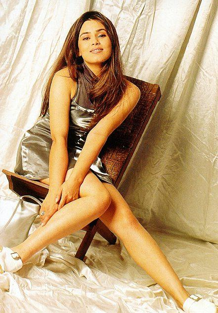 Mahima Chaudhary Hot Sexy Legs Wallapper