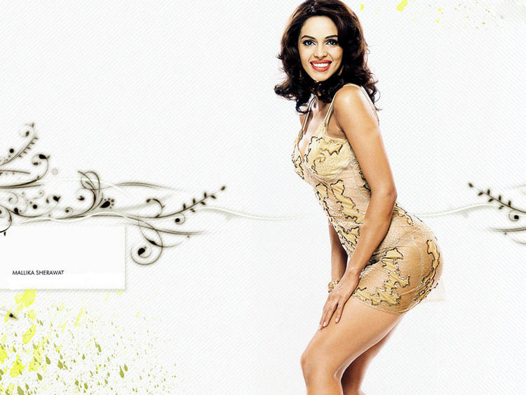 Mallika Sherawat Sweet Smile Wallpaper