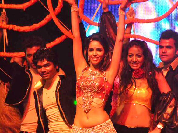 Mallika Sherawat Dances to New Year Bash 2012