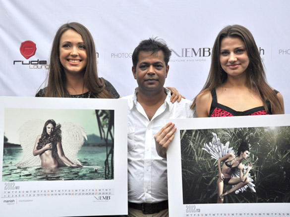 Manish Chaturvedi launches his calendar 2012