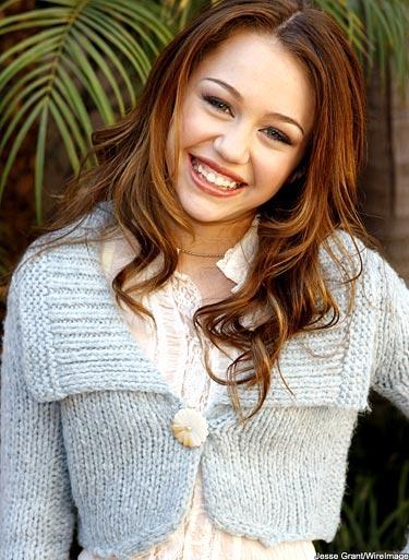 Miley Cyrus Cute Smilling Face Still