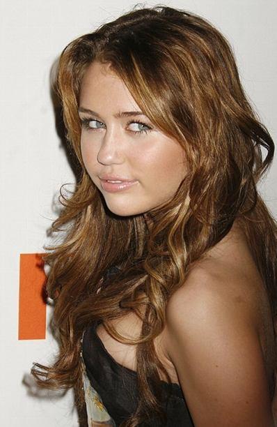 Miley Cyrus Side Boob Show Glamour Still