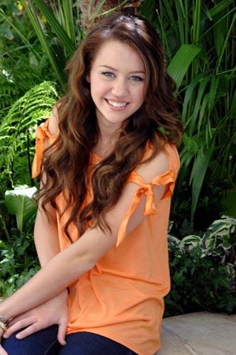 Miley Cyrus Sweet Smile Face Photo Shoot