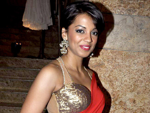 Mugdha Godse sweet smile still at Lakme Fashion Week  Day 4