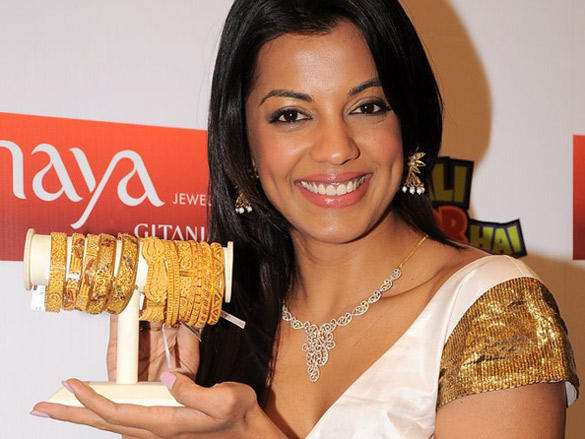 Mugdha launches 'Swarna Mangal'