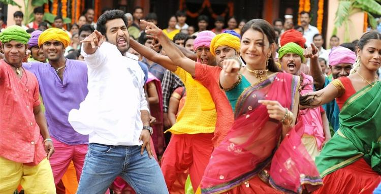 NTR and Kajal Sexy Dance Still in Brindavanam