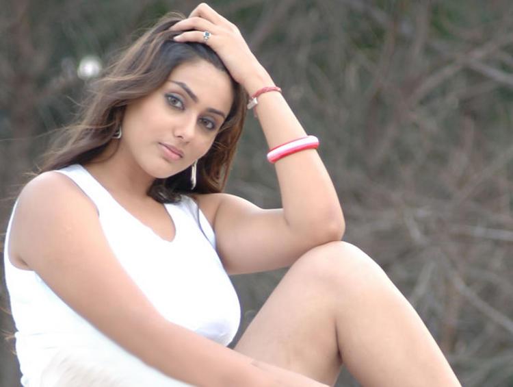 Namitha Hot Still