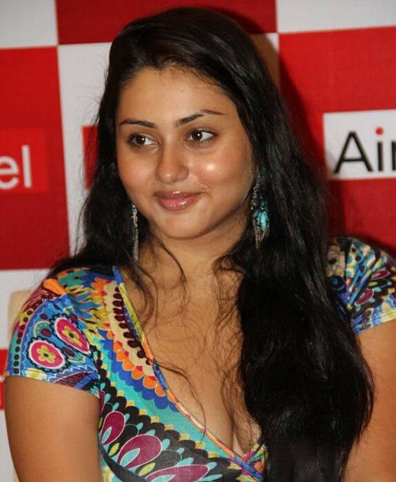 Namitha Kapoor Hot boobs Cute Sweet Face Pic