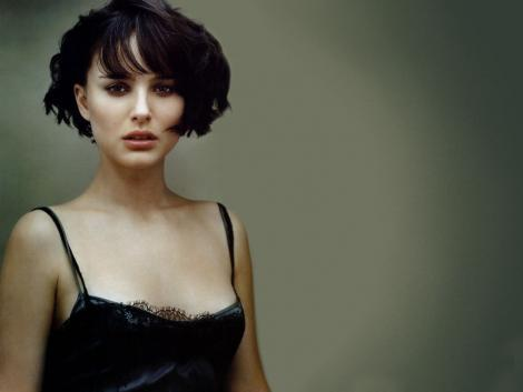 Natalie Portman Hair Style Sexy Look Pic