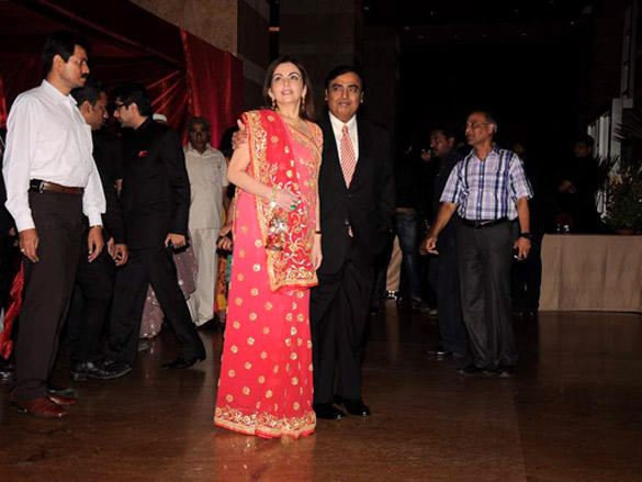 Nita Ambani,Mukesh Ambanim at Riteish and Genelia's reception