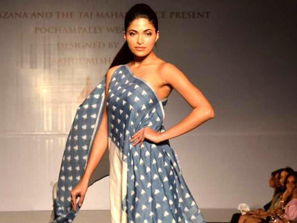 Parvathy Omanakuttan at Rahul Mishra's show