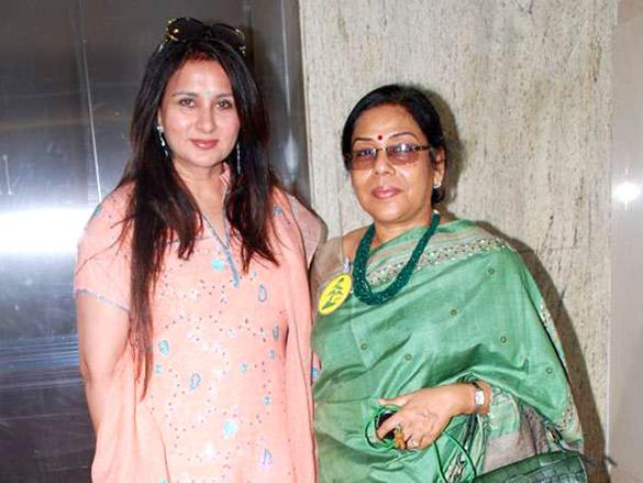 Poonam Dhillon at Jamnabai Bonzai show