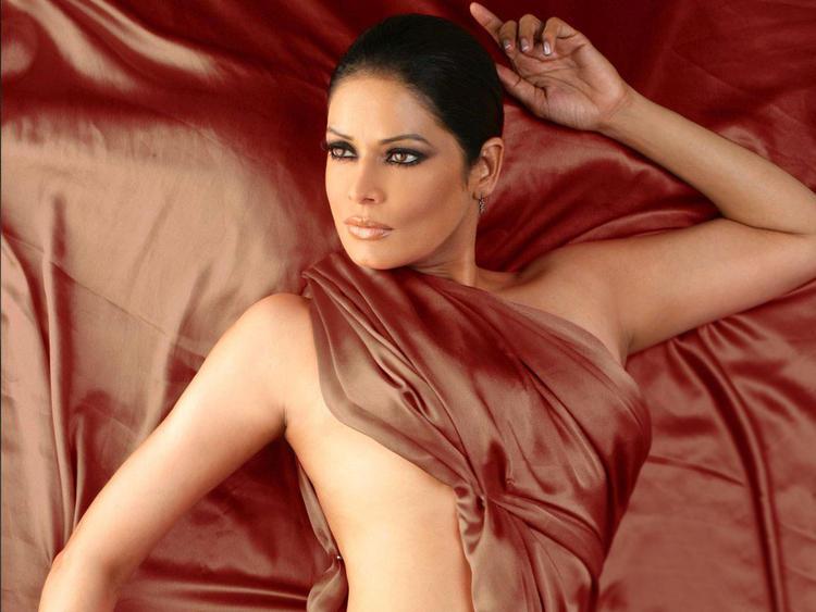Poonam Jhawar Latest Sexiest Wallpaper