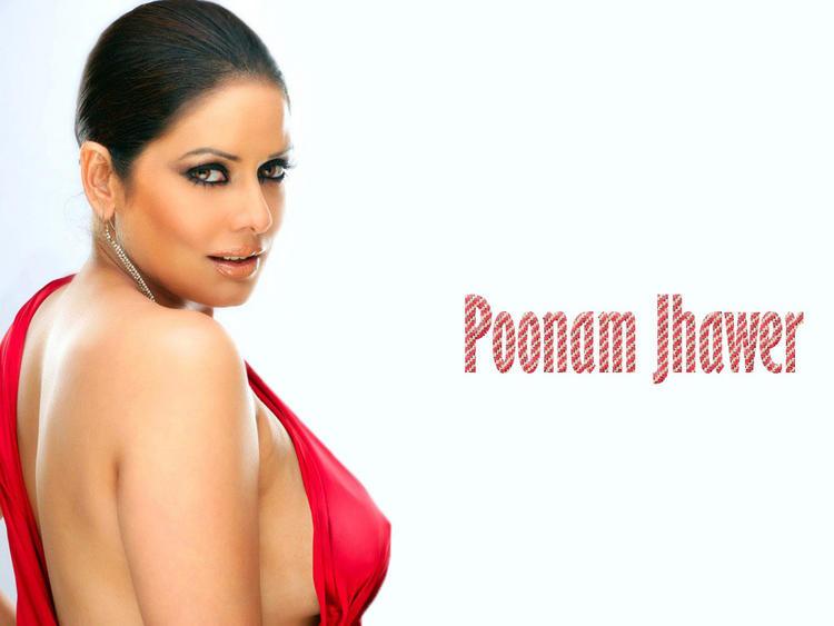 Poonam Jhawer Super Sexy Look Wallpaper