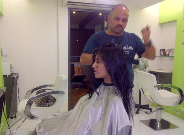 Poonam Pandey Hair Cut Pic