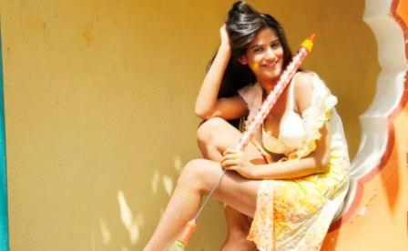Poonam Pandey Holi Special hot Photo shoot