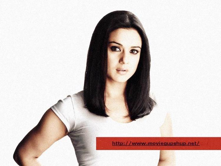 Preity Zinta Short Hair Glorious Wallpaper
