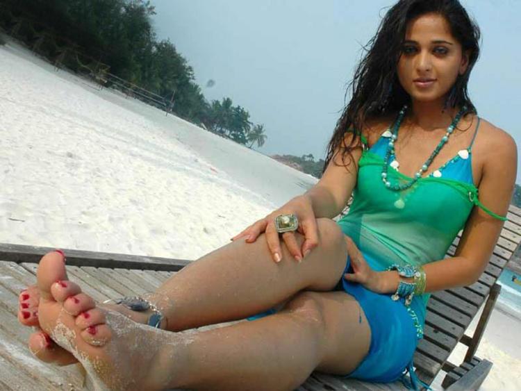 Pretty Babe Anushka Shetty Still