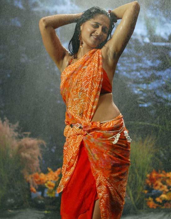 Pretty Tolllywood Doll Anushka Shetty Wallpaper
