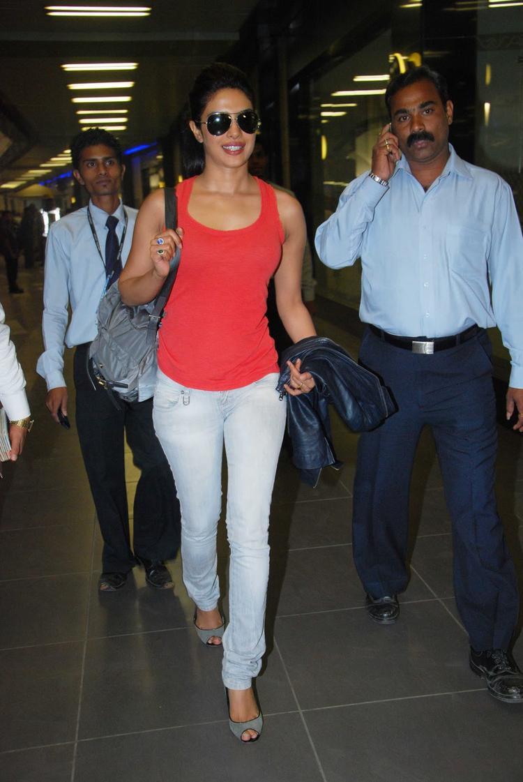 Priyanka Chopra arriving at Mumbai