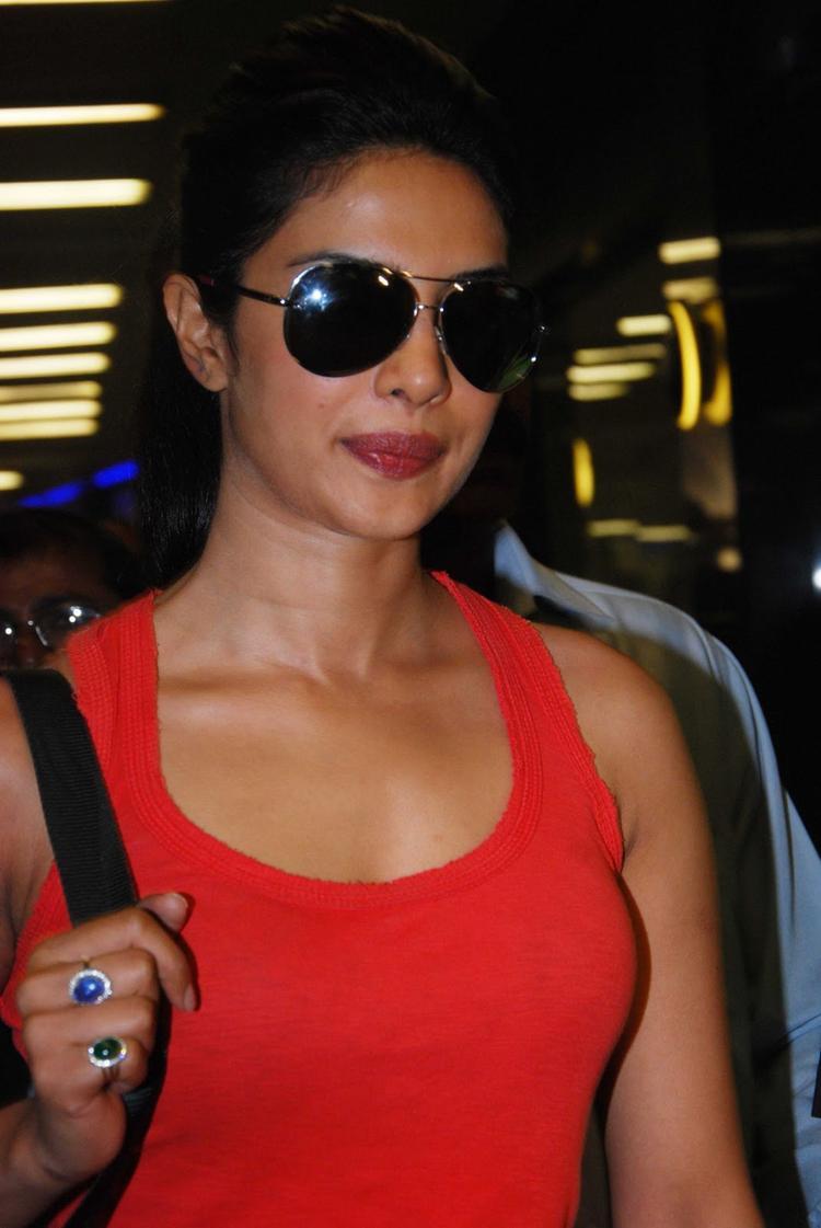 Priyanka Chopra clicked at Mumbai Airport
