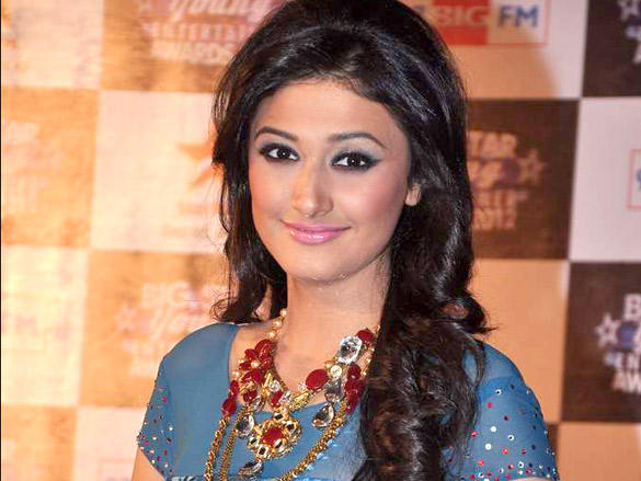 Ragini Khanna at the Red Carpet the BIG Star Young Entertainer Awards 2012