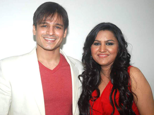 Rajnigandha Shekhawat with Vivek Oberoi at 'Banna Re'  album launch