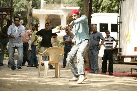 Ranbir Kapoor Plays Cricket On The Set Of Barfi