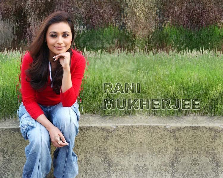 Rani Mukherjee Beaut Face Wallpaper