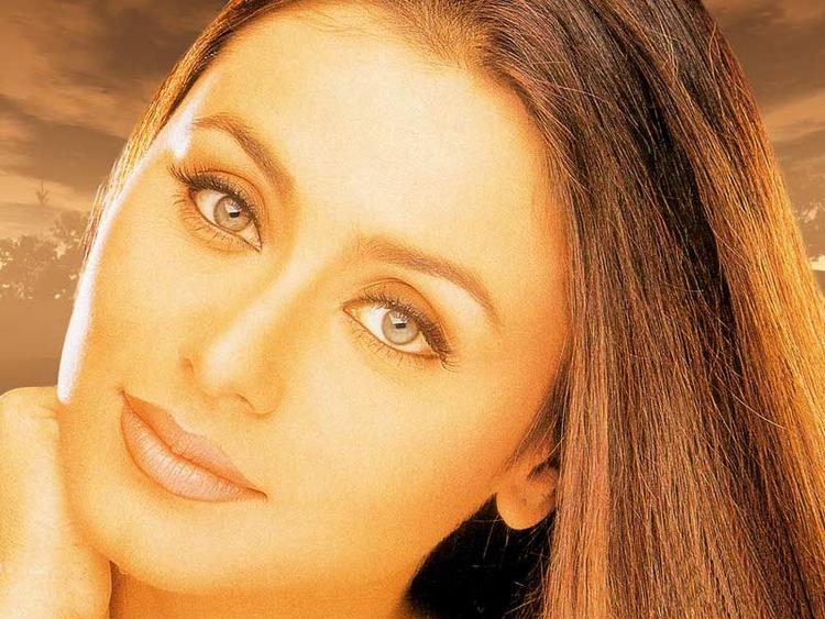 Rani Mukherjee Nice Look Wallpaper