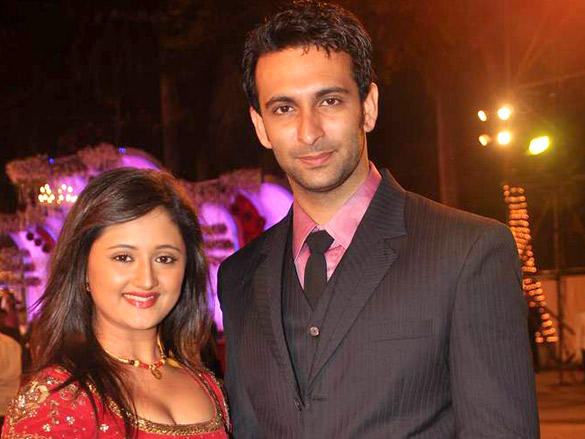 Rashmi Desai with hasband at Wedding Reception