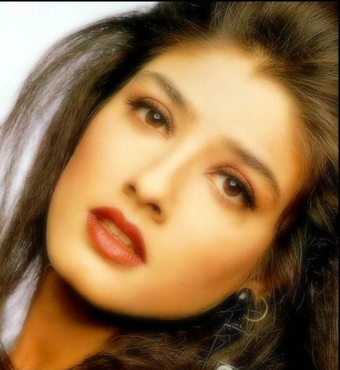 Raveena Tandon Red Lips Romantic Face Look