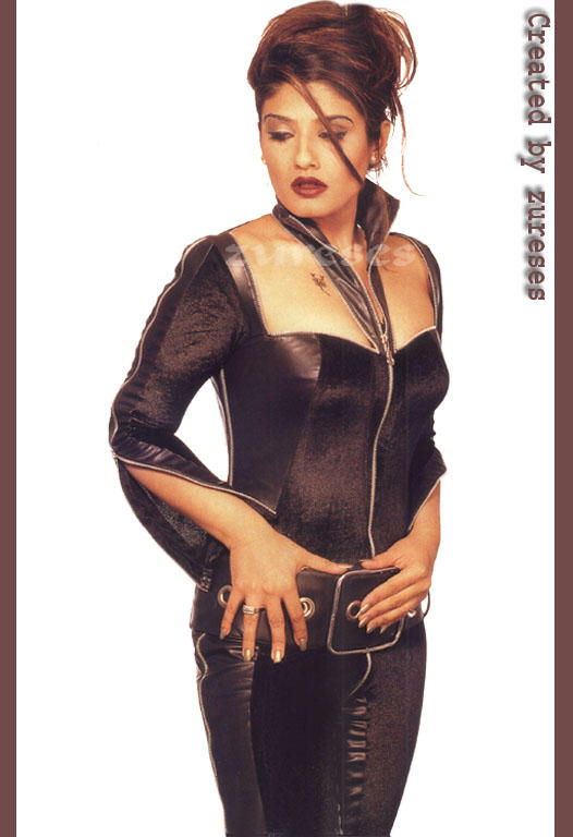 Raveena Tandon Sexiest Wallpaper
