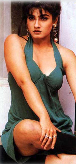 Raveena Tandon Sexy Boob Hot Still