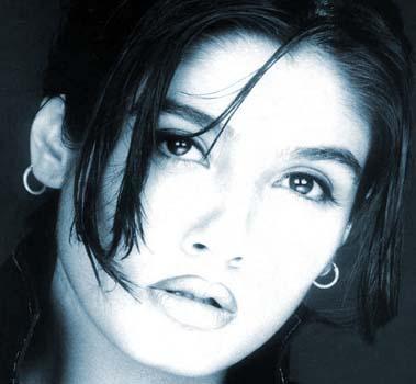 Raveena Tandon Sexy Eyes and Lips Pic