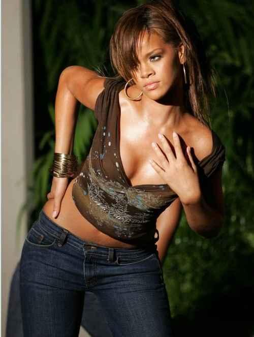 Rihanna Latest Glamour Pic