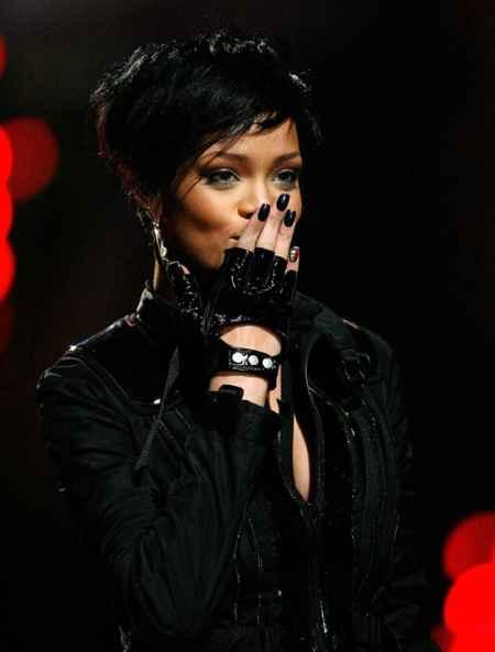 Rihanna Short Black Hair Still