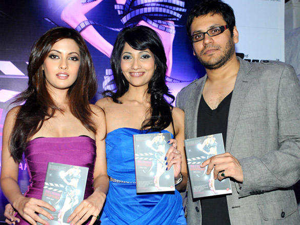 Riya Sen launces the book Bollywood Striptease