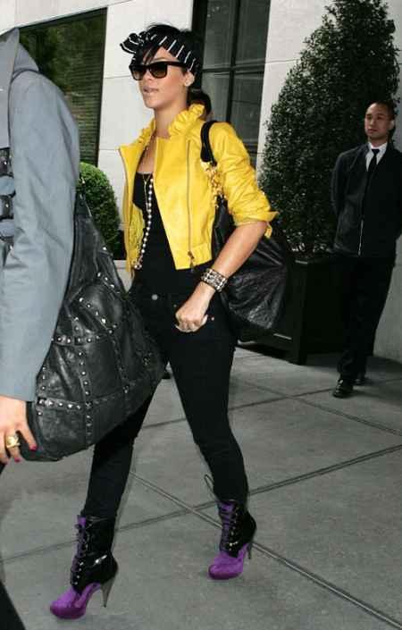 Rock Singer Rihanna Full Dress Still