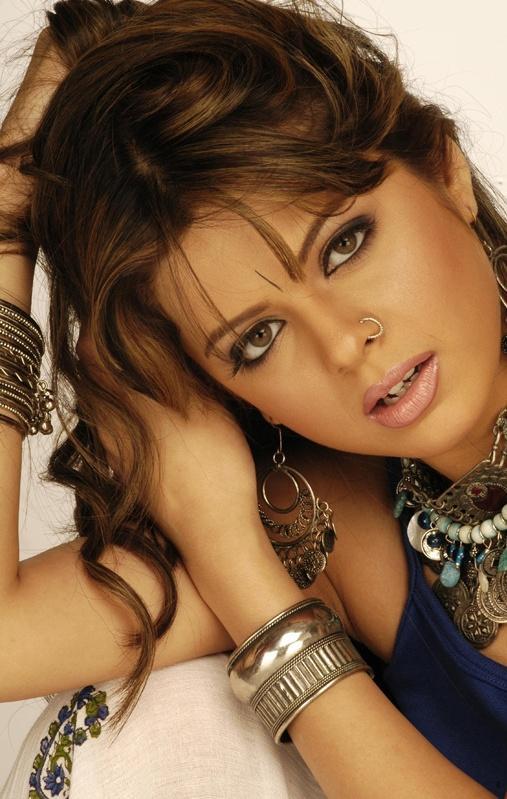 Rucha Gujarati Romantic Face Look Wallpaper