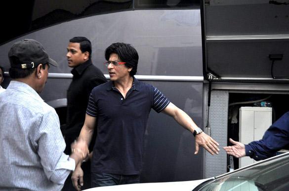 SRK Snapped at the Mehboob Studio