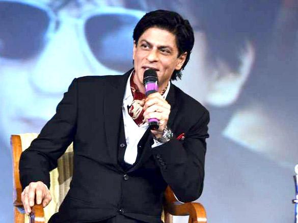 SRK on Stage at NDTV Profit Business Leadership Award 2011