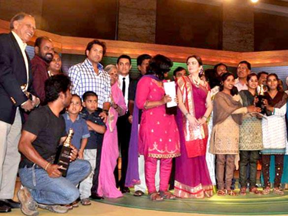 Sachin Tendulkar,Nita Ambani at CNN IBN Heroes Awards